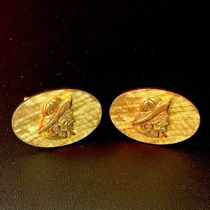 Vintage Gold Tone Dimensional Seafarer Cuff Links